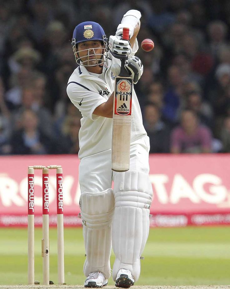 Sachin Tendulkar presents the full face, England v India, 1st Test, Lord's, 3rd day, July 23, 2011 200th.in