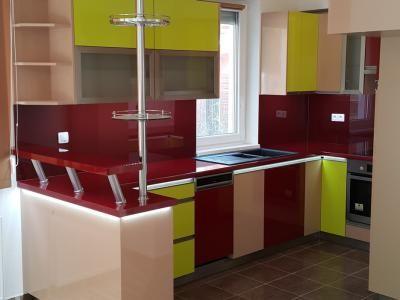 Színes konyhabútor - konyha / étkező ötlet, modern stílusban