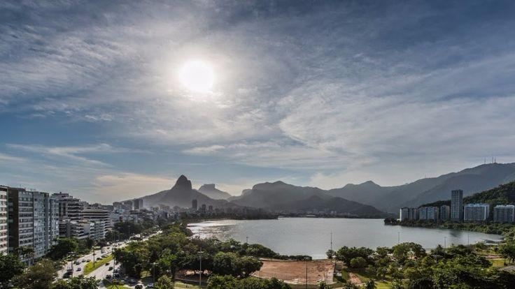 Suite Safari is een luxe 3 slaapkamer vakantieappartement, met uitzicht over de hippe strand van Ipanema, Rio de Janeiro. Dit appartement is voorzien van alle comfort die u thuis ook gewend bent. Dit appartement biedt accommodatie voor 6 personen. De master bedroom heeft een queen size bed, badkamer en-suite, een ruime inloopkast en flatscreen tv.…