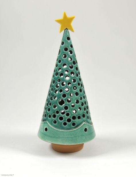 """""""PINO SILVESTRE"""" - Portacandela traforato a forma di albero di Natale e ispirato alla varietà Pinus sylvestris."""