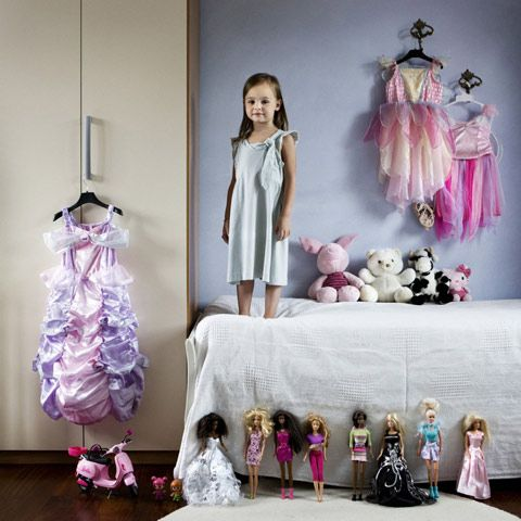 Photos of Children From Around the World With Their Most Prized Possessions Photographed by Gabriele Galimberti