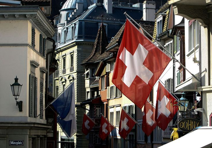 04/14/2015 - Swiss Banks Strong-Arm Clients in U.S. Tax-Evasion Endgame - good.