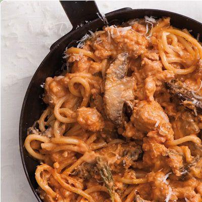 Taste Mag | Make Napoletana sauce @ http://taste.co.za/how-to/make-napoletana-sauce/