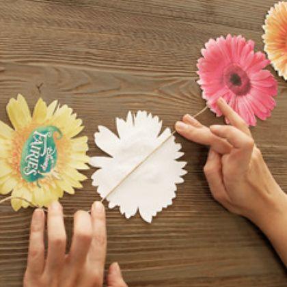 pour une fête, ou une soirée pyjama, ou pour décorer ta chambre, une guirlande de fleurs digne d'une fée !