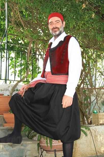 Νησιά Αιγαίου, Κυκλαδες - Νησιώτης  [http://www.foustanela.gr/plakidas/index.php?option=com_content&view=article&id=56&Itemid=56&lang=el; http://www.paradosiakiforesia.gr/aegean.html; http://www.stoles-paradosiakes.gr/details.php?sw=9&detail=642092]