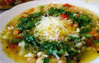 Ароматный овощной суп - минестроне.