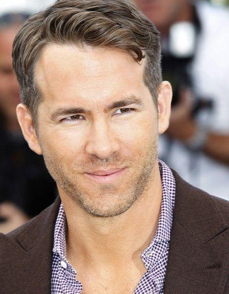 Ryan Reynolds ne gardera pas un très bon souvenir de ce Festival de Cannes. D'après « US Weekly », l'acteur canadien aurait été très touché par le mauvais accueil réservé à « Captives » d'Atom Egoyan, hué vendredi dernier lors de sa projection sur la Croisette.  http://www.elle.fr/Cannes/News/Cannes-2014-Ryan-Reynolds-blesse-par-le-mauvais-accueil-de-son-film-2706660