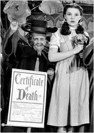 *MEINHARDT RAABE as the CORNER MUNCHKIN & JUDY GARLAND ~ the Wizard of Oz (1939)