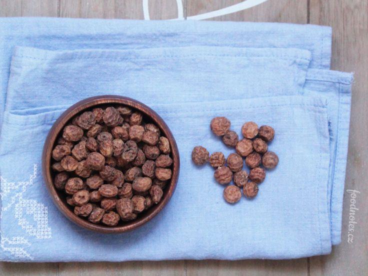 Hlízy chufy k výrobě valencijské horchaty, tradičního rostlinného mléka.