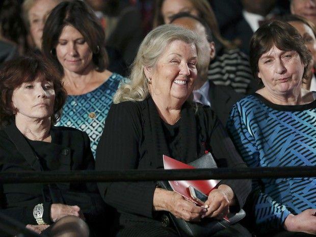 Mulheres que acusam Bill clinton de assédio assistem a debate entre Hillary e Trump (Foto: Jim Young/Reuters)