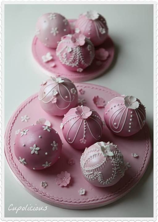 Pink & White Bauble Cakes