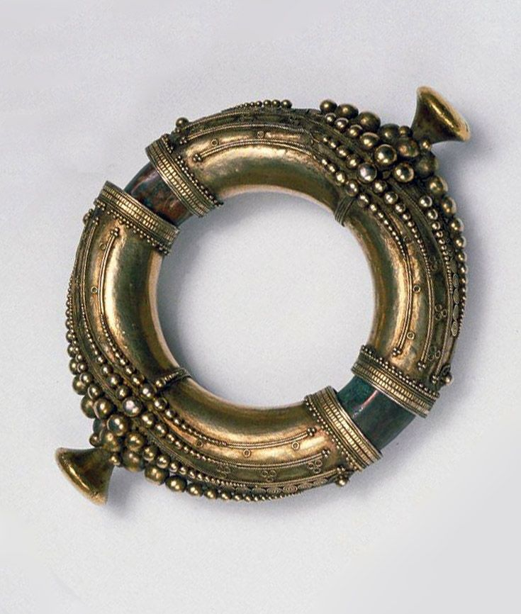 Indonesia ~ Sumatra Island, North Sumatra Province | Man's bracelet; gold and gilt silver.  ca. 19th century
