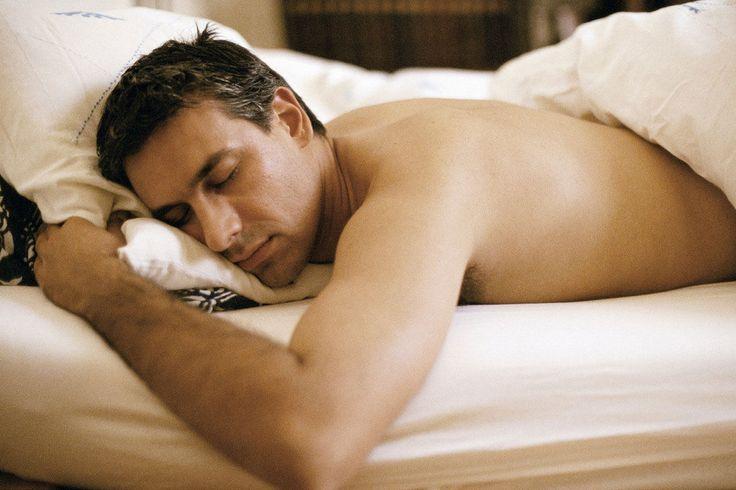 Wenn nachts der Atem stockt, merken die Schläfer davon nichts. Doch Schlaf-Apnoe kann krank machen.