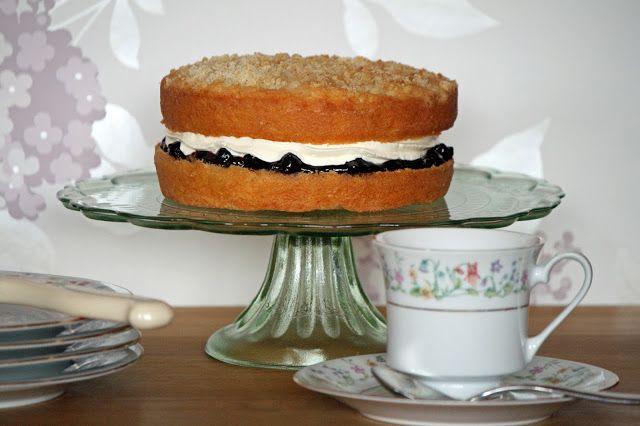 lauralovescakes...: Apple & Blackcurrant Crumble Sponge Cake
