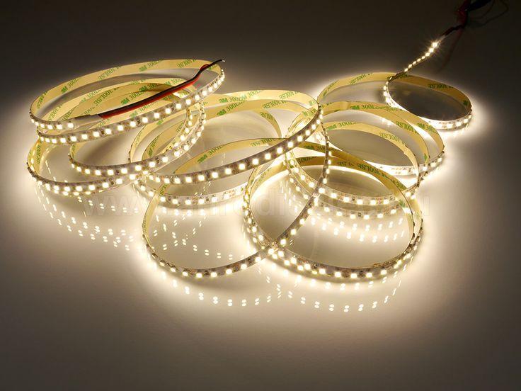 Az egybefüggő fénycsíkok híveinek ajánljuk figyelmébe a méterenként 120 ledet tartalmazó LED szalagot: http://www.anrodiszlec.hu/product_info.php/products_id/11206  Ennek a fénye már néhány miliméterről összefüggő, folyamatos fénycsíkot ad, amely miatt jól használható a dekorációs világításban!