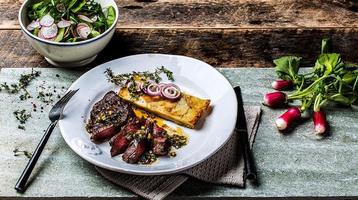 En hverdagsbiff som går raskt å lage. Mørbraden kan brukes til mange retter, men her serveres den med enkelt og rent tilbehør som fremhever kjøttsmaken.