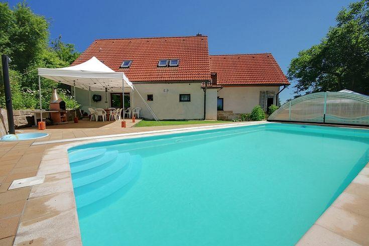 chata s bazénem pronájem