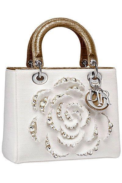 Круизная коллекция сумок 2013 года от Christian Dior: яркое и стильное лето   Мода, модели и одежда   Женский журнал Lady.ru
