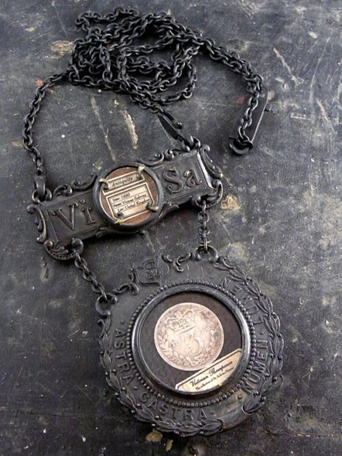Accessory of Curiosities (ヴィクトリアンコイン)