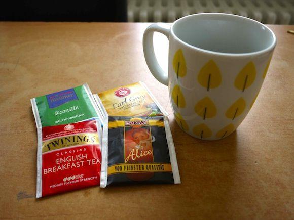 安物の紅茶ティーバックには骨や歯をもろくする恐れ  専門家が警告