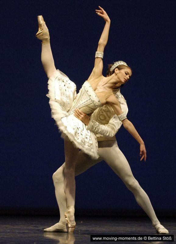 Polina semionova and Ronald Savkovic in Ballet Imperial (Staatsballet Berlin's Balanchine Abend, 2005). Photo by Bettina Stöß