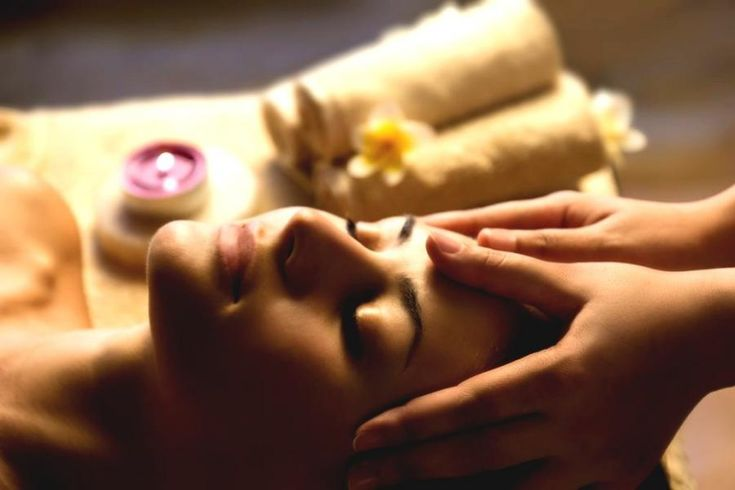 Erotická masáž sa v dnešnej dobe teší veľkej obľube a je populárna u mnohých ľudí. Spája sa s ňou však množstvo otázok, ktoré trápia najmä ...