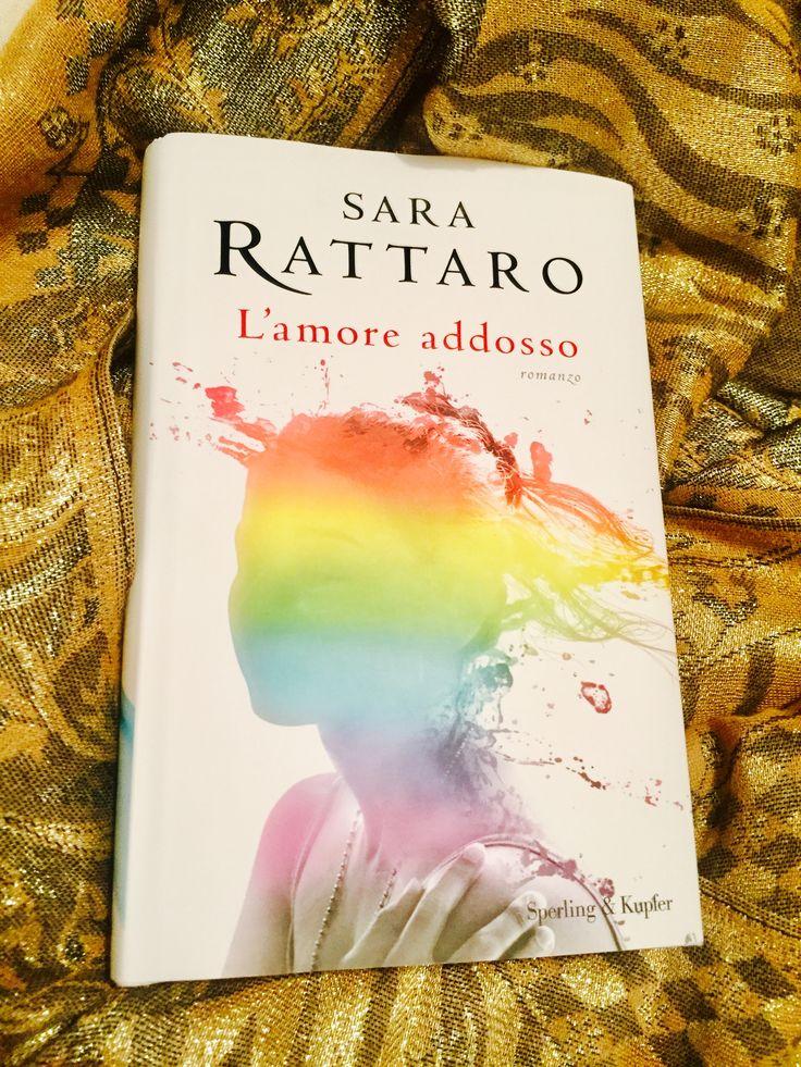 Sara Rattaro racconta come a volte si è troppo umani per amare il giusto. Una bella storia che si specchia dentro a tutti noi.