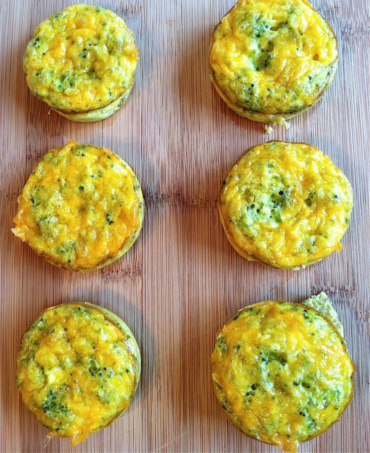 5. Cheddar Broccoli Egg Muffins #greatist http://greatist.com/eat/3-ingredient-healthy-recipes