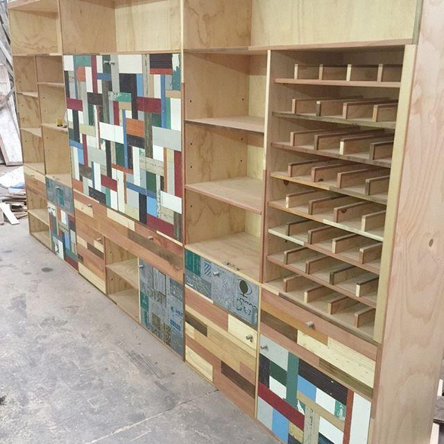 Buscando el orden perfecto para tus espacios, piénsalo, créalo y escríbenos. www.mariomillar.cl