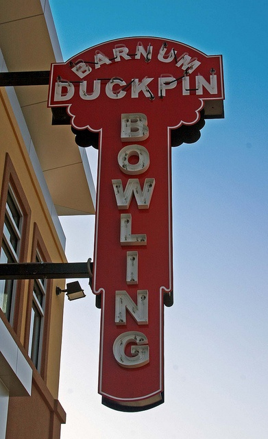 Barnum Duckpin Bowling, Stratford, Connecticut. This is a southern New England thing. I had never heard of it until I moved to Rhode Island. In Massachusetts and New Hampshire we have candlepin bowling, which they don't seem to have down here.
