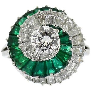 Pre-owned CARTIER Emerald and Diamond Spiral Ring
