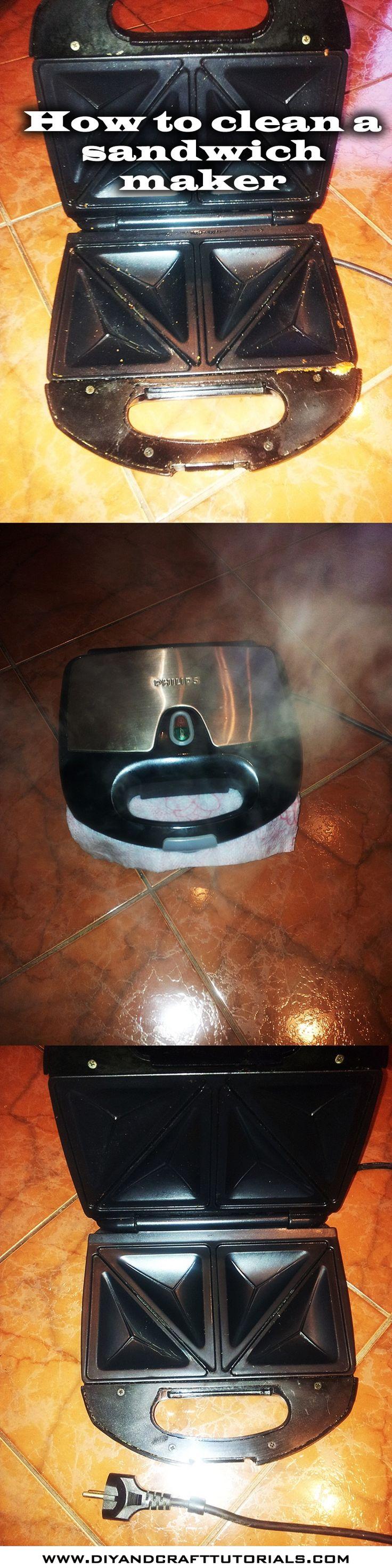 How to clean a sandwich maker (melegítsd fel, tegyél bele nedves papírtörlőt, húzd ki a konektorból, és várjál. a meleg gőztől könnyen tisztítható lesz