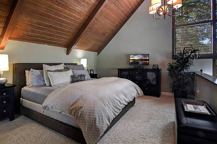 Check out this awesome listing on Airbnb: SNOWFLOWER 100 YARDS FROM VILLAGE - Houses for Rent in Lake Arrowhead