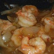 Wok de crevettes à la sauce piquante