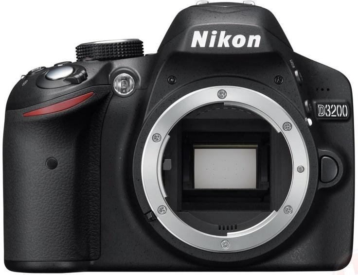 Nikon D3200 body + sd 8gb + mini cavalletto   A   369€    Clicca quì:  http://www.sanmarinophoto.com/page_view.php?style=HOME=PRODOTTO=147573=945