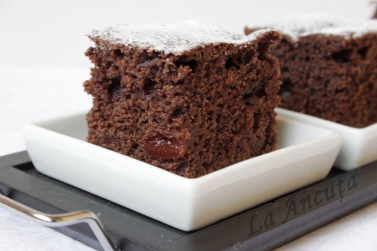 Csokis meggyes sütike pillanatok alatt – mámorító finomság!