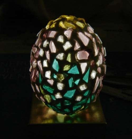203 best decorative eggs images on pinterest easter eggs for Egg mosaic design