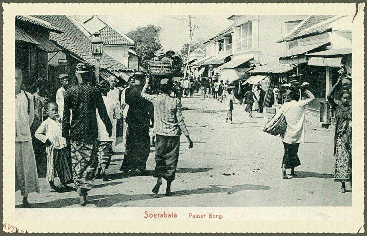 Soerabaja Pasar Bong circa 1900.