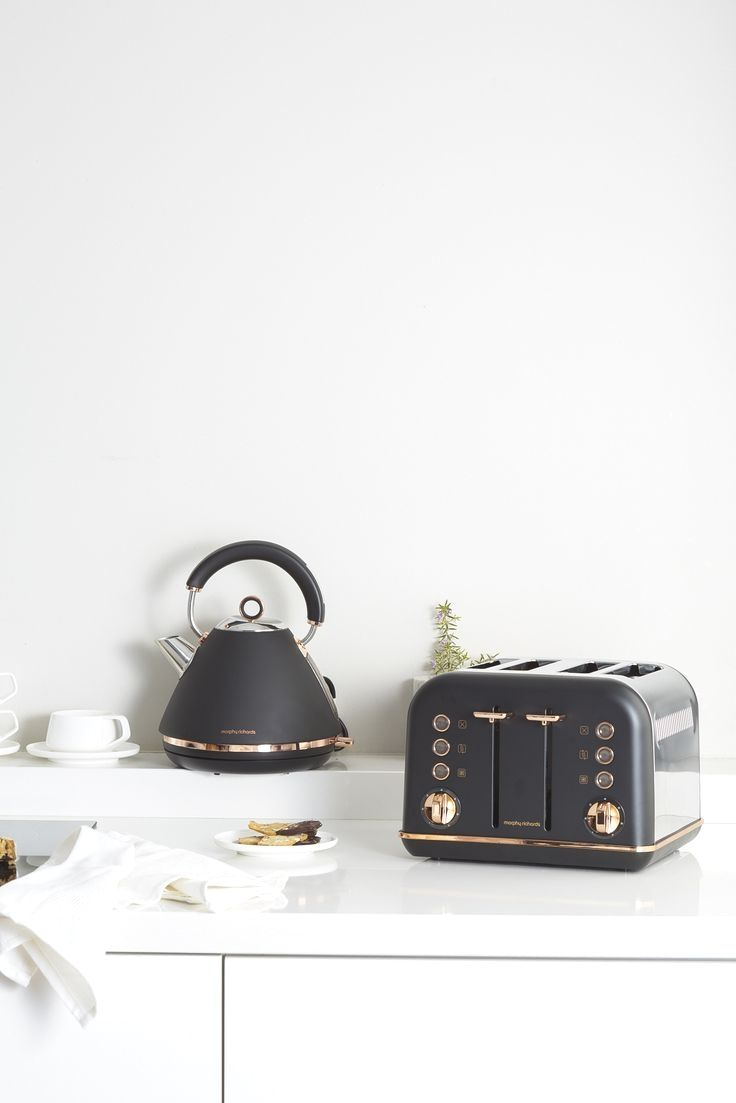 Accents Rose Gold Kettle And Toaster Set In Black Finish By Morphy Richards Australia Kettle And Toaster Set Rose Gold Kitchen Kettle And Toaster