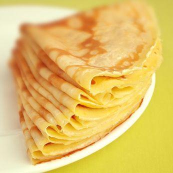 La pâte à crêpes est facile à faire soi-même. Vous allez raviver vos papilles avec ces délicieuses crêpes sucrées ou salées ! Nous vous souhaitons de passer un excellent moment de convivialité en partageant des crêpes en famille ou entre amis.