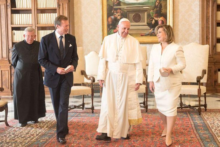 Le pape François reçoit au Vatican le grand duc Henri du Luxembourg et son épouse la grande duchesse Maria Teresa