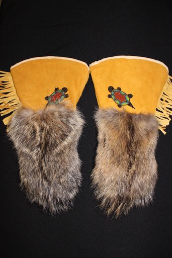 Moose Hide And Bush Wolf Fur Gauntlet With Beaded Turtle By Iroqrafts!! For More Mitts And Gauntlets Check Out Our Site!! #Larp #Laire #NDN #Native #Mitts