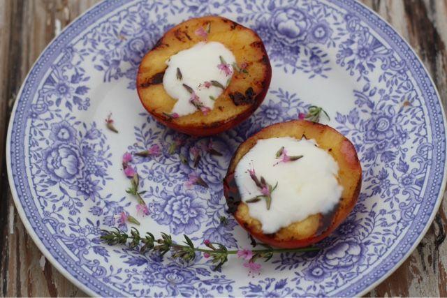 Grillatut persikat ja iisoppisiirappi / Kipparin morsian