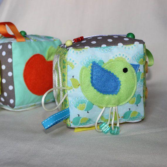 Cube d'éveil / Inspiration Montessori / Jeu par PopelineCo sur Etsy