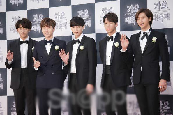 2014 KBS Music Award  dengan MC Lee Hwijae, Ok Techyeon, dan Yoona ini dimeriahkan oleh para bintang K-pop, grup idol pria dan wanita yang populer selama tahun ini, seperti EXO, 2PM, CNBlue, Beast, APink, Sista, AOA, Secret, VIXX, Infinite, BTS, Block B, B1A4,  dll.