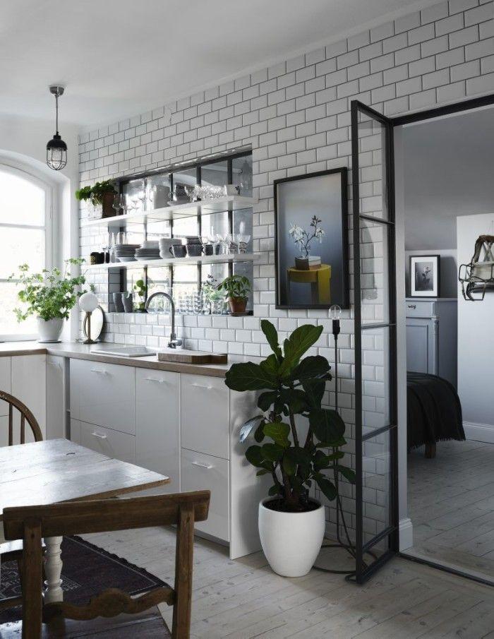 Kitchen / Bedroom                                                                                                                                                                                 Plus