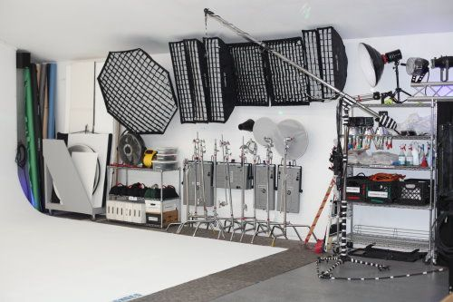 Valley Photo Studio - Equipment available with rental.