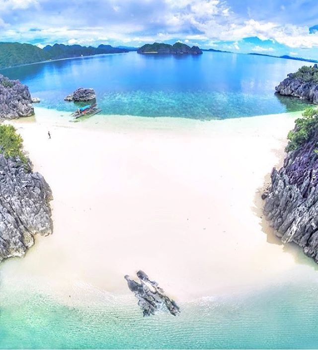 """33.9k Likes, 396 Comments - Beaches N Resorts (@beaches_n_resorts) on Instagram: """"Caramoan Island - Philippines 🌺🌺🌺 Credits ✨@JayPeeSwing✨"""""""