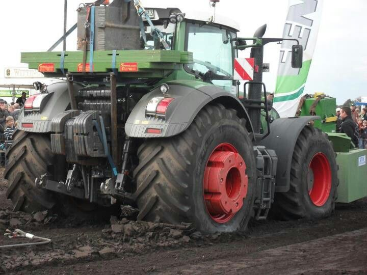 Fendt 936 tractor pulling. Got enough weight? | Fendt ...