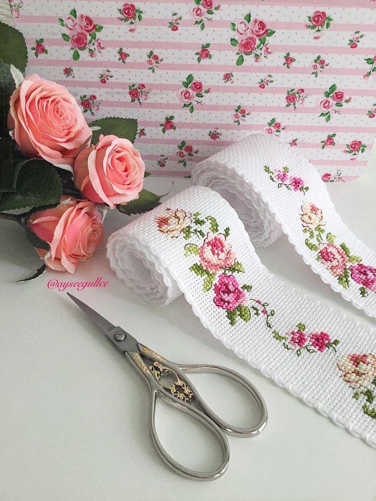 Cross stitch rose borders (@ayseegullce)